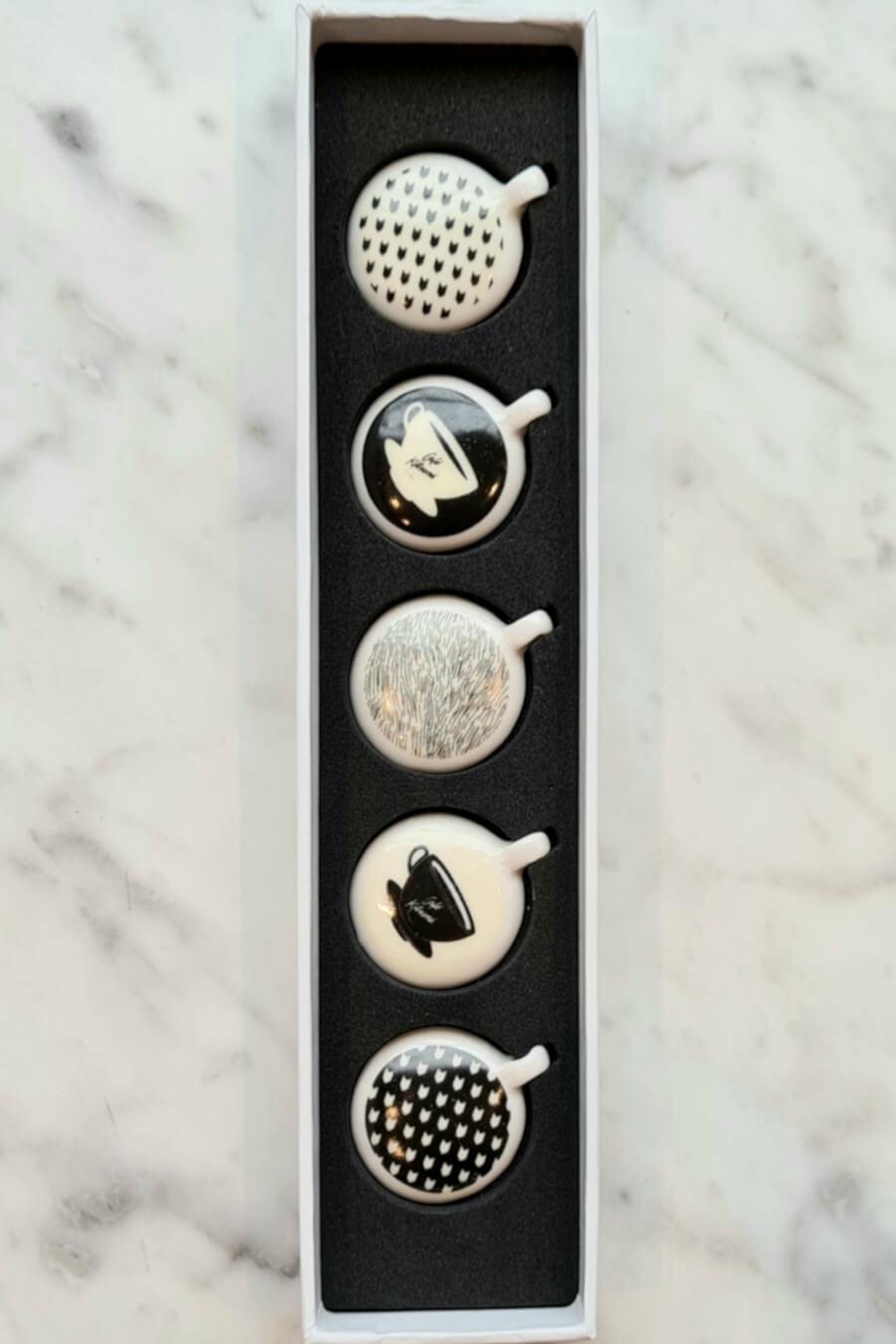Coffret de 5 fèves DALLOYAU x CAfé kitsune