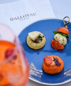 Retrouvez nos apéritifs pour vos soirées d'été dans nos boutiques et en livraison sur notre site internet Dalloyau.fr. Des créations idéales pour une soirée réussie !   #dalloyau #dalloyauparis #summer #aperitivo #yummy
