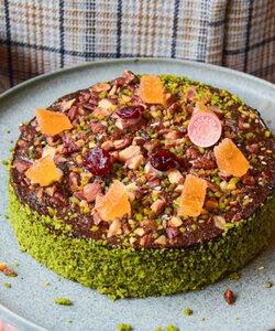 #LeConstance est de retour demain dans toutes nos boutiques et sur notre site internet Dalloyau.fr ! 😁 Le cake healthy, gourmand et sans gluten co-créé avec @mumdaymornings. Qui a déjà eu l'occasion de le goûter ?