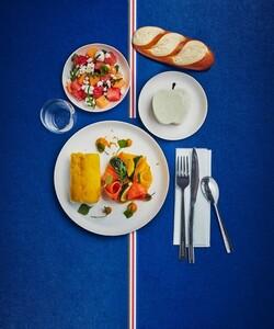  La nouvelle carte Plateaux-repas est arrivée ! Dalloyau vous propose de découvrir ses nouveaux plateaux-repas : des recettes saines et gourmandes à déguster depuis votre bureau ! - 👨🍳 @pierre_koch_chef - #dalloyau #dalloyauparis #plateaurepas #traiteur #traiteurparis #food#gourmandise #healthy #recipe #yummy #instafood #cuisine #lunch  #tasty #hungry #yum #amazing #eat #foodpic #foods #cheflife