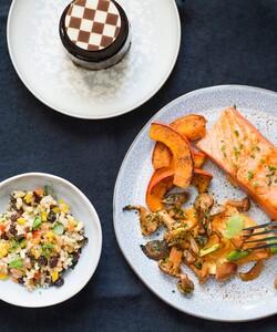 Tout nouveau tout beau, c'est le site internet de Dalloyau! Allez vite y faire un tour, une offre de bienvenue attend les nouveaux inscrits : -10% sur votre première commande avec le code DALL10 ! 🤩 - 👨🏻🍳 @pierre_koch_chef 📸 @gali_eytan_photography  - #dalloyau #dalloyauparis #repas #menu #sur-mesure #site #siteinternet #food #gourmet #patisserie #recette #faitmaison #gourmandise #bonheur #plaisir #instafood #offredebienvenue #foodie #miam #recipe #foodlovers #foodordering #foodlove #chefàdomicile #cheflife #cooking #chefsofinstagram #gastronomy #chefs #codepromo