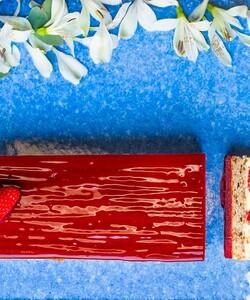 Alerte Bleu Blanc Rouge ! Pour la fête nationale, Dalloyau vous propose de redécouvrir le fraisier @dalloyauparis et ses fraises made in France ! 🇫🇷 🤩🍓 - 👨🏻🍳 @jeremydelval 📸 @gali_eytan_photography  - #dalloyau #dalloyauparis #love #food #foodies #gourmandise #instafood #yummy #dessert #gouter #gourmand #fraise #paris #france  #clickandcollect #instafood #strawberry #instagood #yummy #cake #delicious #instacake #summer #happy #desserts #fraisier #14juillet #nationalday #bleublancrouge #14juillet2020